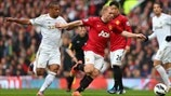 Ashley Williams (Swansea City AFC) & Paul Scholes (Manchester United FC)